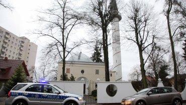 Gdańska policja zatrzymała 33-letniego mężczyznę, który namalował obraźliwe hasło na meczecie.