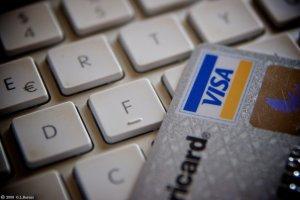 Nadchodzi czas żniw dla cyberprzestępców. Jak kupić prezent i nie dać się okraść?