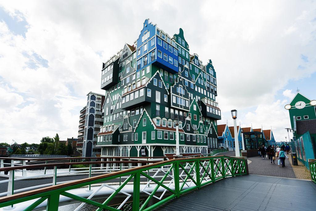 11 europejskich budynk w kt re warto zobaczy chocia raz for Hotel amsterdam cube