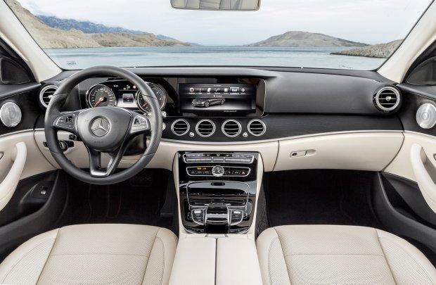 """""""Rz"""": Mercedes wybuduje w Polsce fabryk� za 800 mln euro"""