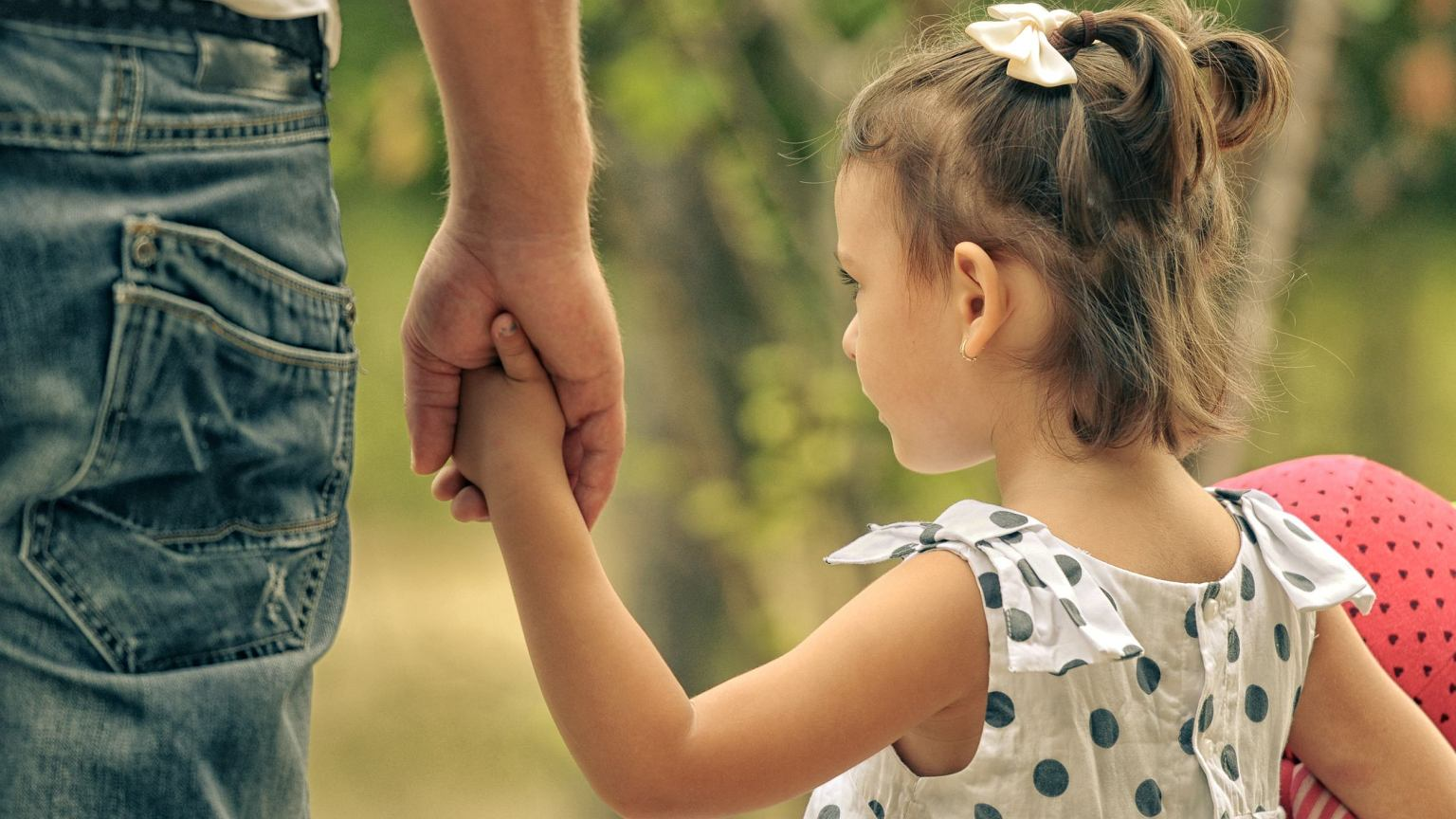 Ministerstwo Rodziny, Pracy i Polityki Społecznej chce ograniczyć adopcje zagraniczne.