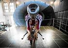 Testy zawodników Polskiego Związku Kolarskiego w tunelu aerodynamicznym