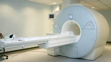 """Aparat do rezonansu magnetycznego to rodzaj dużego """"skanera"""" pozwalającego wykonać bardzo dokładne zdjęcie niemal każdego organu znajdującego się w ludzkim ciele"""