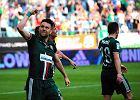 Kamil Biliński cieszy się po golu w meczu z Cracovią