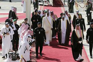 Katar. Kto bogatemu zabroni?