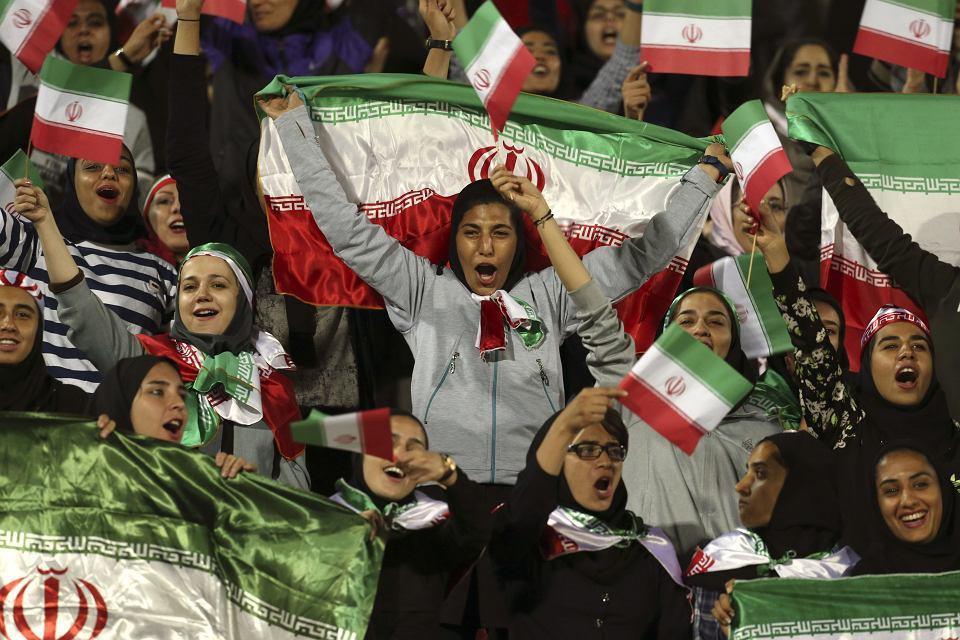 Towarzyski mecz Iran - Boliwia. Po dekadach na trybuny wróciły kobiety