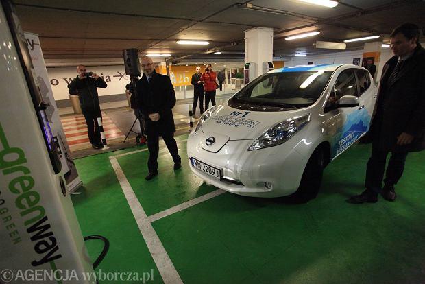 Robotyzacja motoryzacji nowym priorytetem rządu PiS. Auta będą elektryczne i autonomiczne