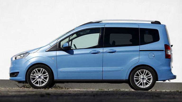ford tourneo courier 1 6 tdci titanium test d ugodystansowy cz v w trasie. Black Bedroom Furniture Sets. Home Design Ideas