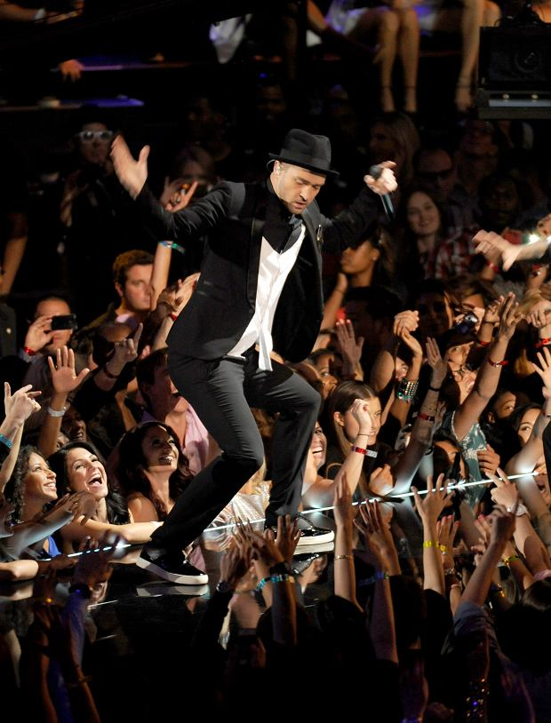 Justin Timberlake performs at the MTV Video Music Awards on Sunday, Aug. 25, 2013, at the Barclays Center in the Brooklyn borough of New York. (Photo by Scott Gries/Invision/AP)