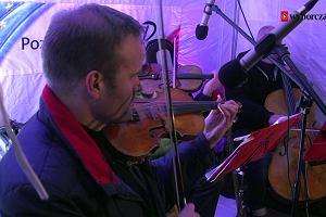 Solidarność, Sejm jest nasz. Joanna Mucha i Mateusz Kijowski grają i śpiewają pod Sejmem