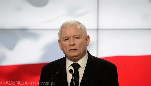 """Prawo nigdy nie działa wstecz? Nie według Kaczyńskiego. """"To można stosunkowo łatwo odbić"""""""