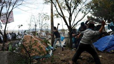 Zamieszki na granicy grecko-macedońskiej w Idomeni