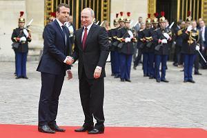 Prezydent Macron uświetni forum Putina? Rosja liczy na pomoc Francji w zniesieniu sankcji UE