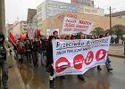 """Pracowali w szpitalu. Nie dostali wyp�at. Dzi� protestowali w Gorzowie. """"Najpierw ludzie, potem zyski!"""" [2 X WIDEO, ZDJ�CIA]"""