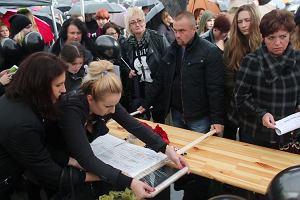 Przygotowania do czarnego protestu w Katowicach