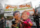 Niemcy kpią z Merkel i Obamy. Kilkadziesiąt tysięcy osób wyszło na ulice. Nie chcą porozumienia z USA