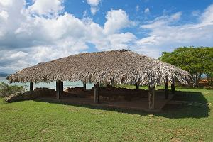 Morze zjada dom Kolumba na wyspie Hispaniola