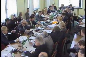 Wicemarszałek Sejmu Wanda Nowacka podczas obrad sejmowej Komisji Ochrony Środowiska, Zasobów Naturalnych i Leśnictwa