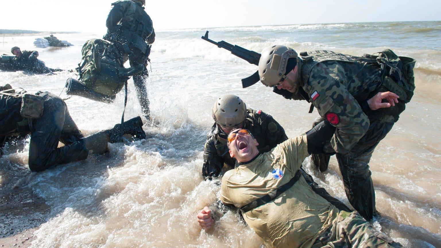 Trening Oddziału Specjalnego Żandarmerii Wojskowej w trakcie Hell Week