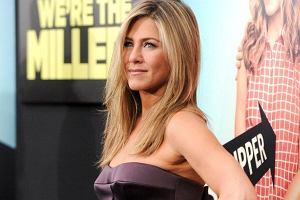 Fryzjer Jennifer Aniston pokaza�, jak aktorka wygl�da bez makija�u