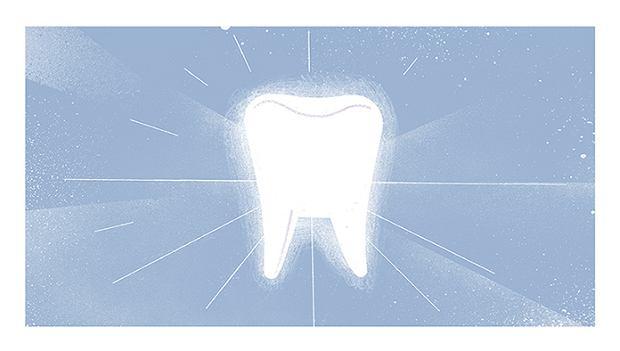 Białe zęby zwiększają szanse na sobotnią randkę i znalezienie dobrej pracy. Jak wybielić zęby?