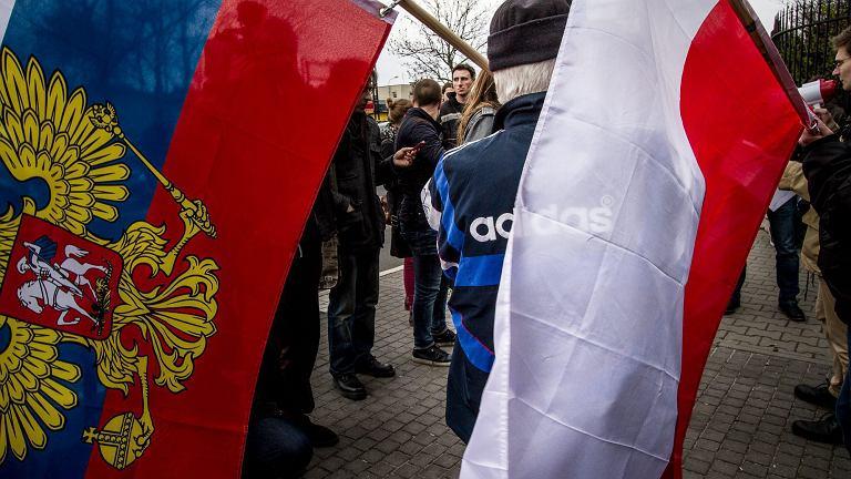 Flagi Rosji i Polski