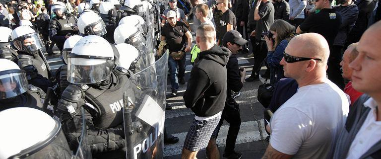Marsz Równości w Lublinie. Ośmiu policjantów trafiło do szpitala, 16 chuliganów do aresztu