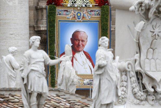 11. rocznica �mierci Jana Paw�a II. W Watykanie czuwanie modlitewne i 20 tys. wiernych