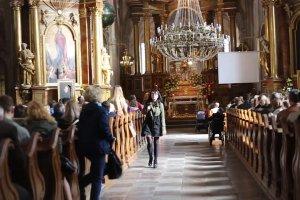 Reakcje na list Prezydium Konferencji Episkopatu Polski o aborcji odczytany w ko�ciele �w. Anny w Warszawie