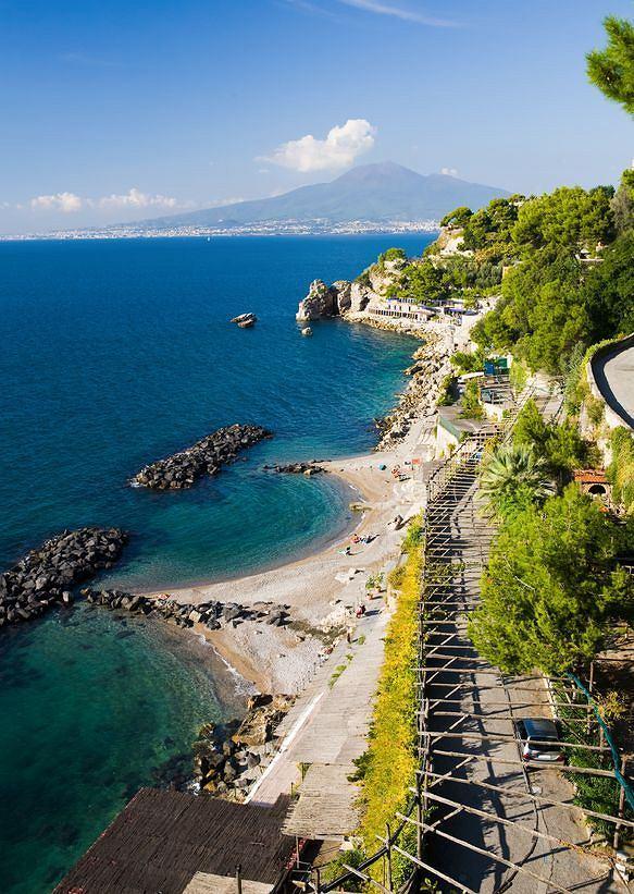 Zatoka Neapolitańska, Włochy