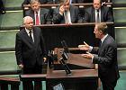 Najnowszy sonda� TNS Polska: PiS przed PO. Obie partie trac�