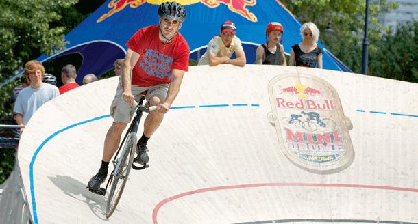 red bull, rowery, ostre koło, minidrome