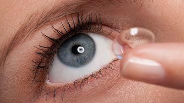 Decyzję o możliwości noszenia soczewek musi podjąć okulista