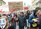 Marsz Oburzonych przez Warszaw�