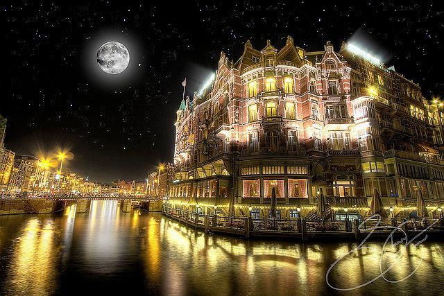 Amsterdam nocą, Holandia
