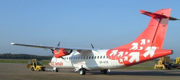ATR 42-300 linii OLT Express o znakach SP-KTR, kt�ry mia� k�opoty techniczne po odlocie z lotniska w Gda�sku