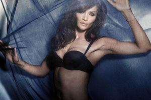 Triumph Essence, The Luxury Collection - Helena Christensen w roli modelki i projektantki