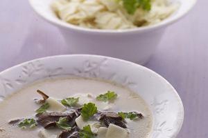 Zupa grzybowa z �azankami