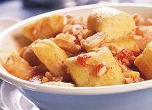 Kopytka z mąki z cieciorki i ziemniaków z sosem rybnym - ugotuj