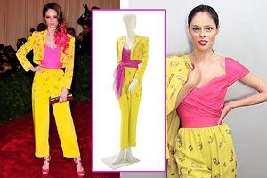 Modelka Coco Rocha w poplamionym winem kostiumie Elizabeth Taylor na Met Gala 2012 - udana stylizacja?