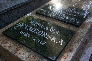 Nowy nagrobek Wis�awy Szymborskiej [ZDJ�CIA]