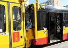 Zderzenie tramwaju i autobusu na placu Bankowym w Warszawie. 10 osób rannych