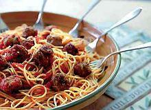 Spaghetti z pulpetami - ugotuj
