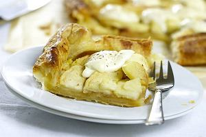 Placek z jabłkami i serkiem mascarpone