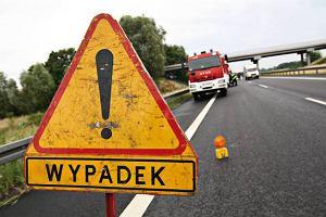 Mercedes zapali� si� na autostradzie A4. Pas by� zablokowany
