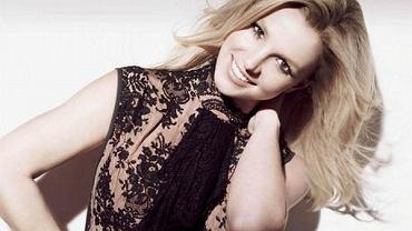 """Britney promuje nową płytę """"Circus"""" pięknymi zdjęciami"""