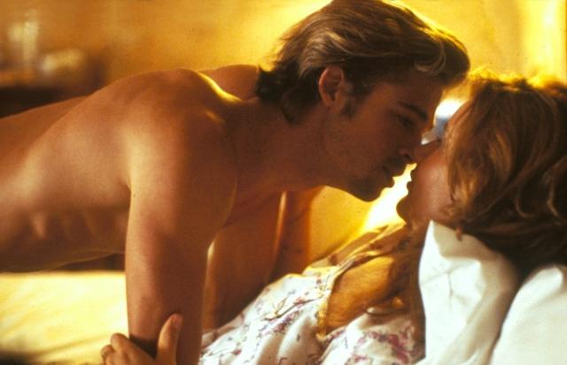 Жаркая страсть тайных любовников в красивом, романтическом месте