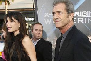 """Mel Gibson pokaza� si� z now� """"dziewczyn�"""""""