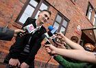 Ryszard Giersz komentuje wyrok przed budynkiem sądu