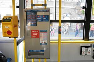 http://bi.gazeta.pl/im/4/7030/z7030484M,Biletomat-w-warszawskim-autobusie.jpg
